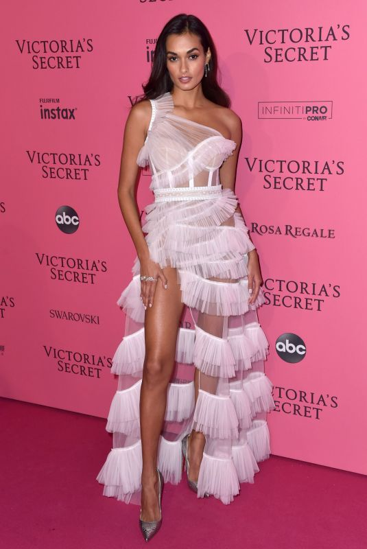 GIZELE OLIVEIRA at VS Fashion Show Afterparty in New York 11/07/2018
