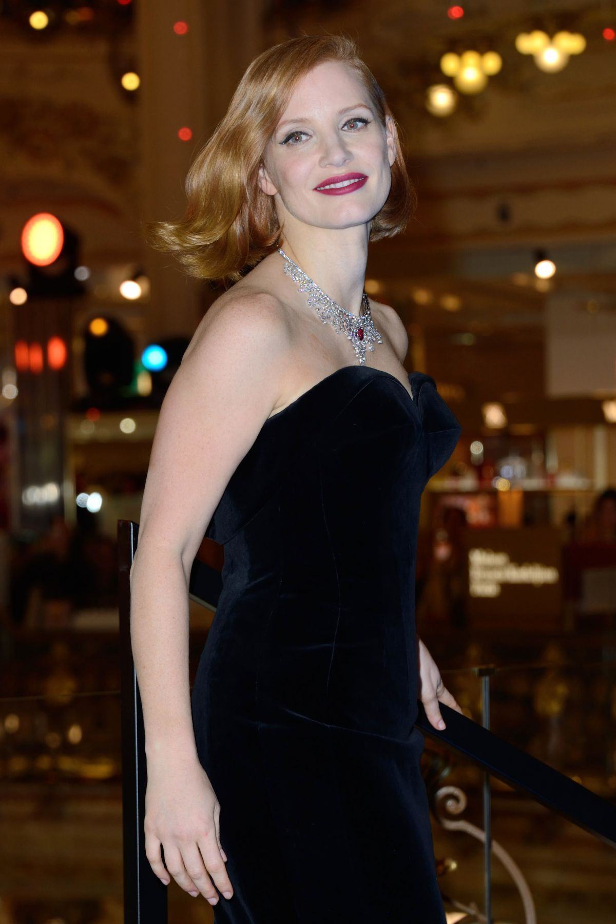 JESSICA CHASTAIN at Les Galeries Lafayette Christmas Decorations ...