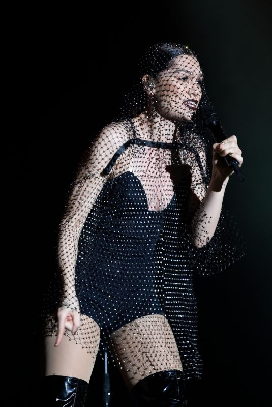 JESSIE J Performs at 02 Academy in Manchester 11/16/2018