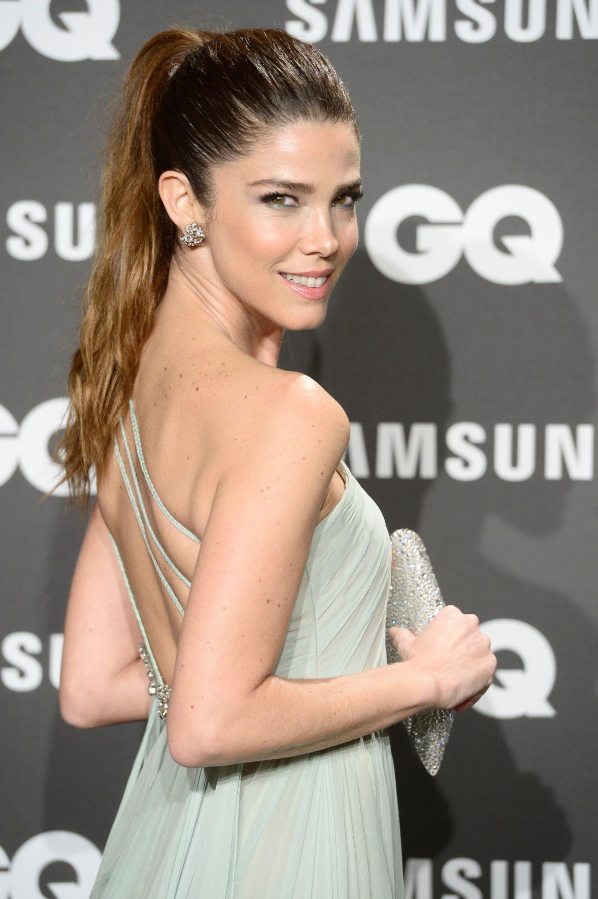 JUANA ACOSTA at GQ Men of the Year Awards in Madrid 11/22