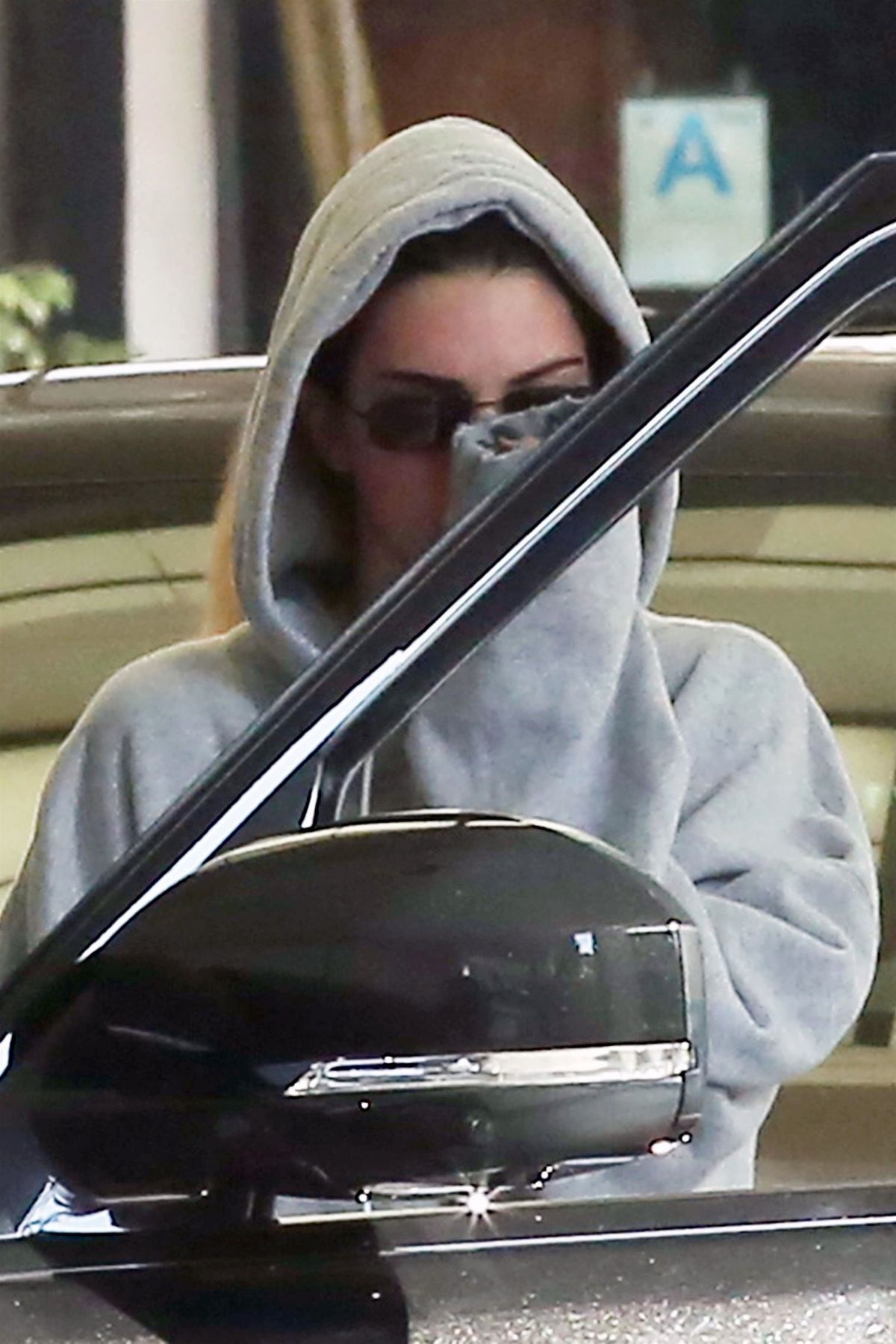 KENDALL JENNER Leaves a Dermatologist in Beverly Hills 11/28
