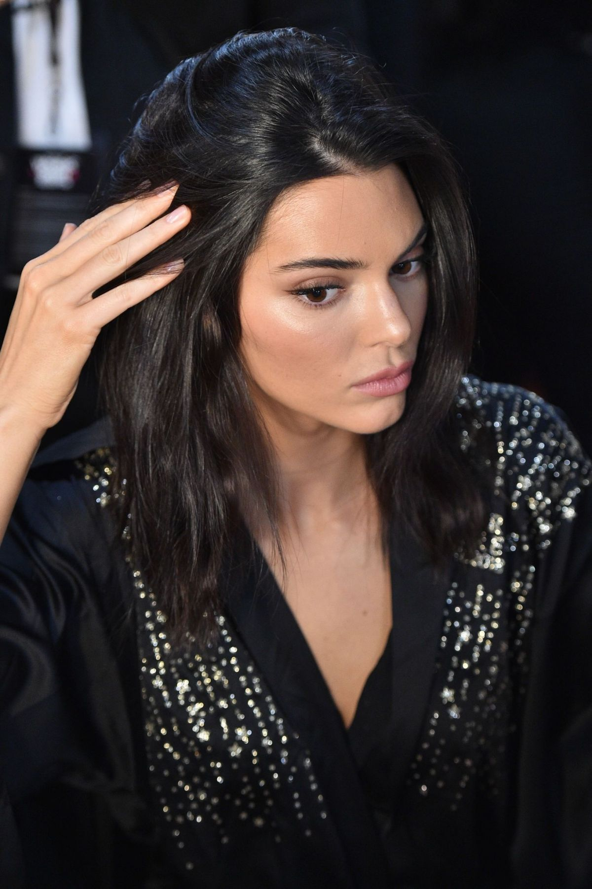 Kendall Jenner On The Backstage Of Victoria S Secret Fashion Show In