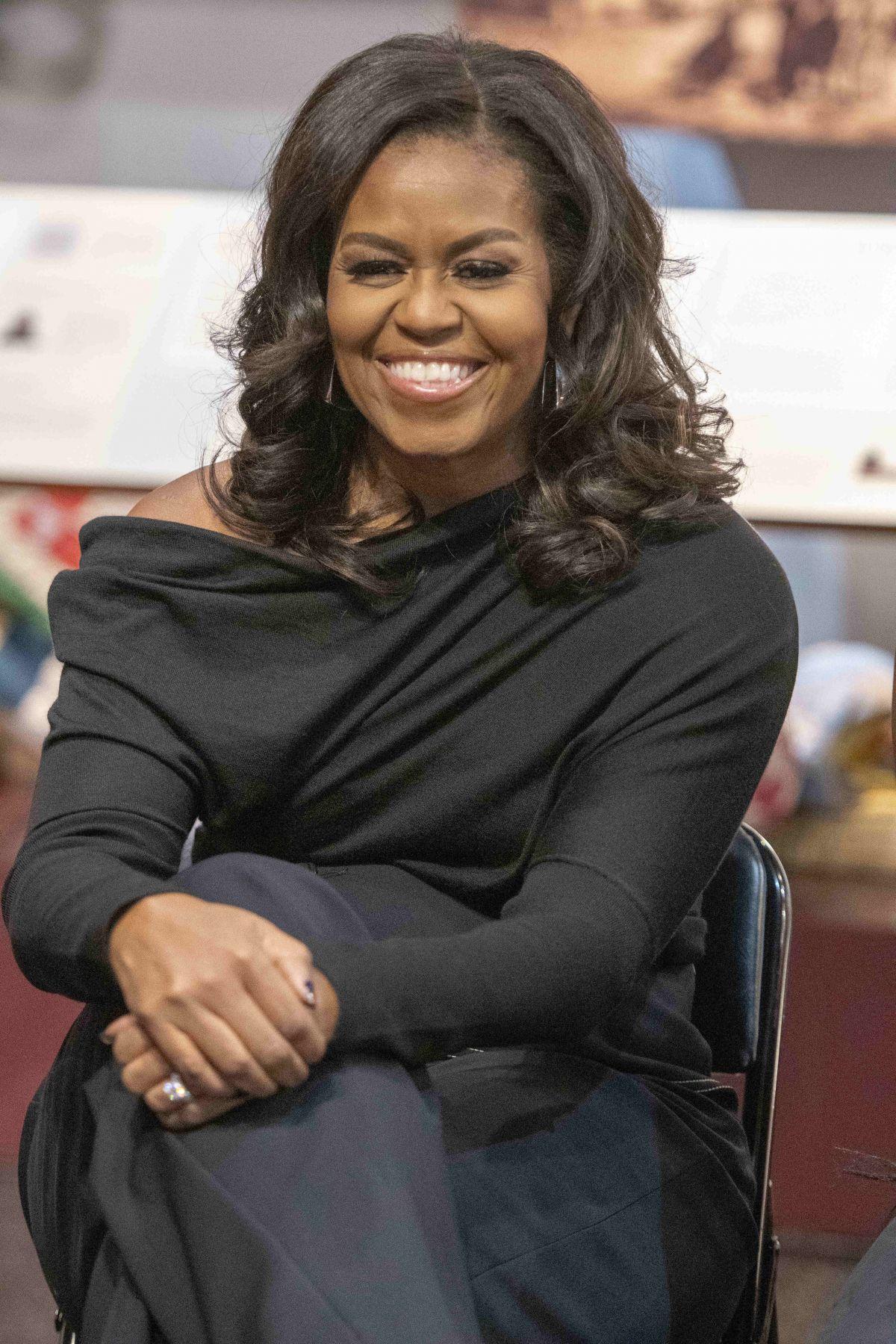 michelle obama book tour philadelphia