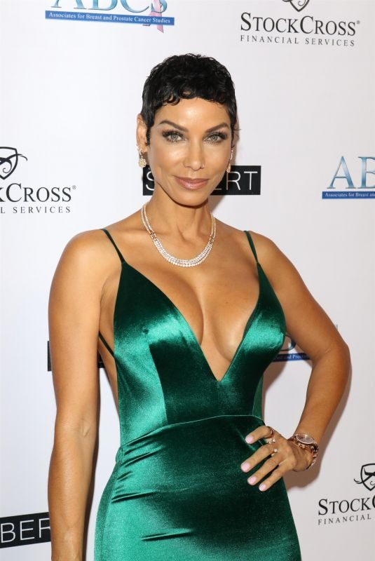 NICOLE MURPHY at Associates for Breast and Prostate Cancer Studies Talk of the Town Gala in Beverly Hills 11/17/2018
