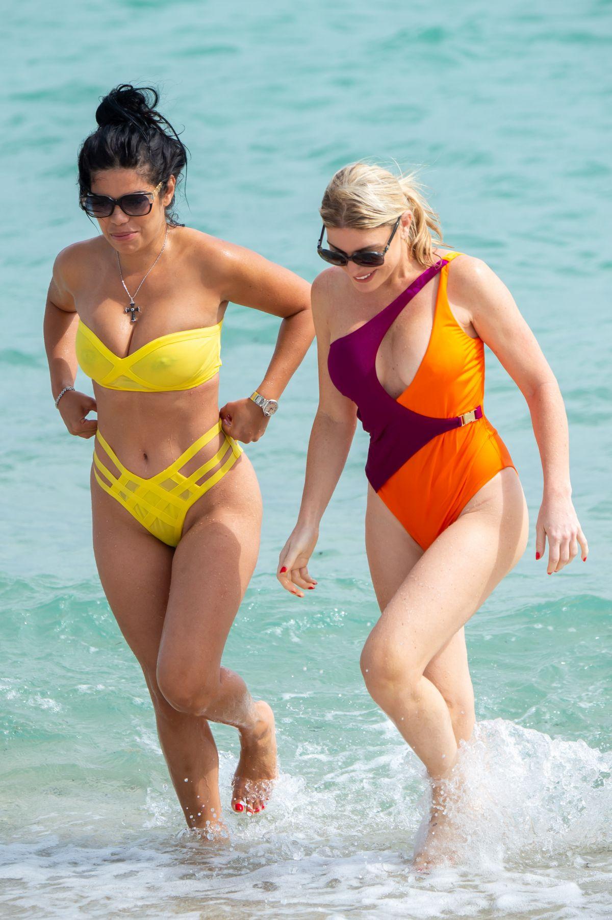 Bikini Claudia Romani nudes (21 foto and video), Tits, Paparazzi, Selfie, in bikini 2015