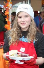 TAYLOR SPREITLER at Los Angeles Mission Thanksgiving Event 11/21/2018