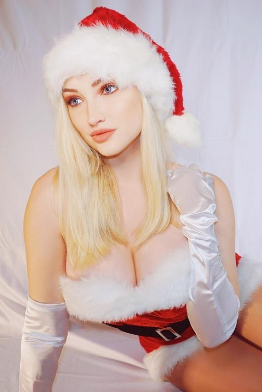 ANNA FAITH – Christmas Instagram Picture