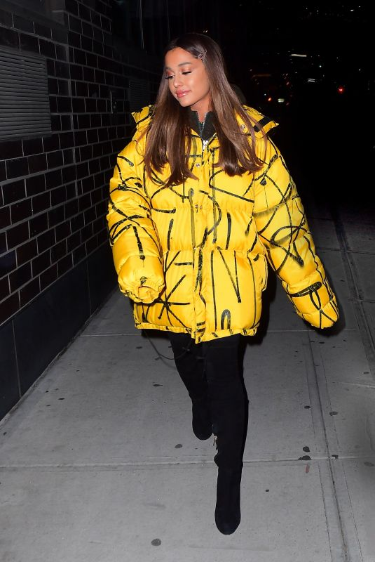 ARIANA GRANDE Arrives at a Recording Studio in New York 12/11/2018