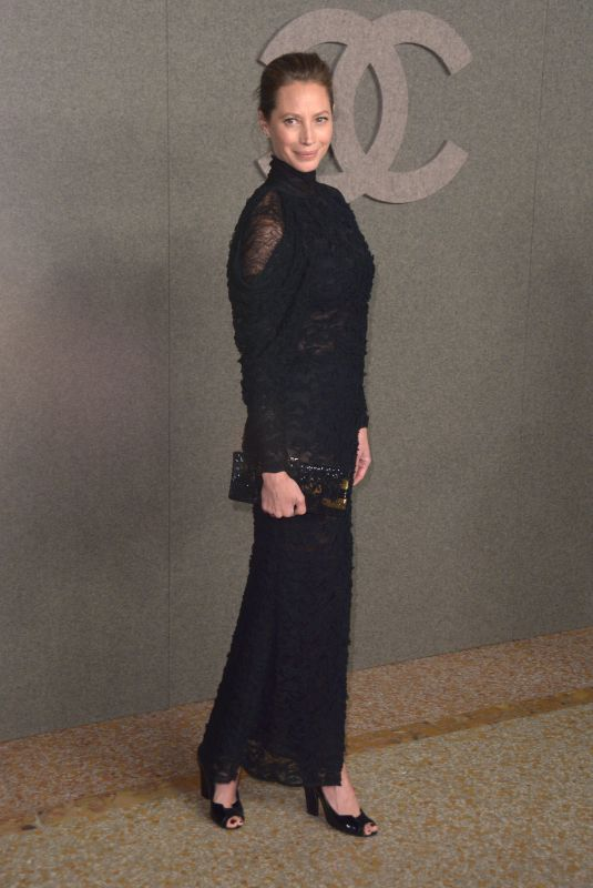 CHRISTY TURLINGTON at Chanel Metiers D