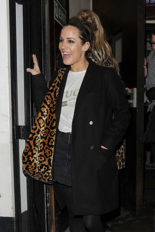 CROLINE FLACK Leaves Chicago The Musical in London 12/18/2018