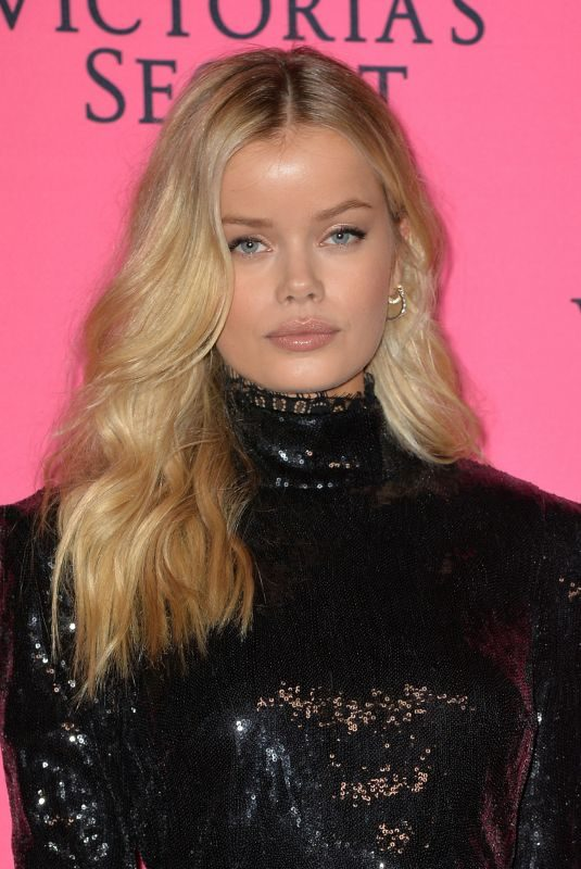 FRIDA AASEN at Victoria's Secret Viewing Party in New York 12/02/2018