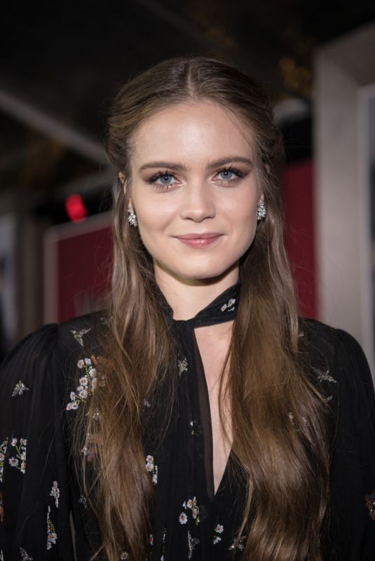 HERA HILMAR at Mortal Engines Premiere in Hollywood 12/05/2018