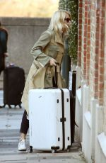 HOLLY WILLOGHBY Heading to Her Home in London 12/13/2018