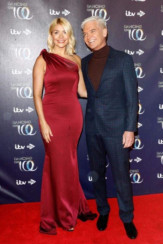 HOLLY WILLOUGHBY at Dancing on IceLaunch in London 12/18/018