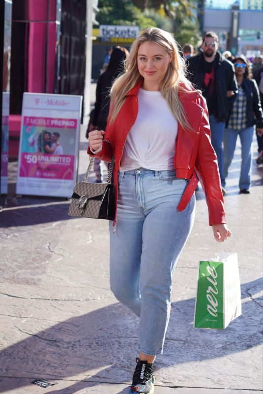 ISKRA LAWRENCE Out and About in Las Vegas 12/29/2018