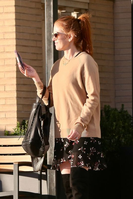 ISLA FISHER Out and About in Beverly Hills 12/26/2018