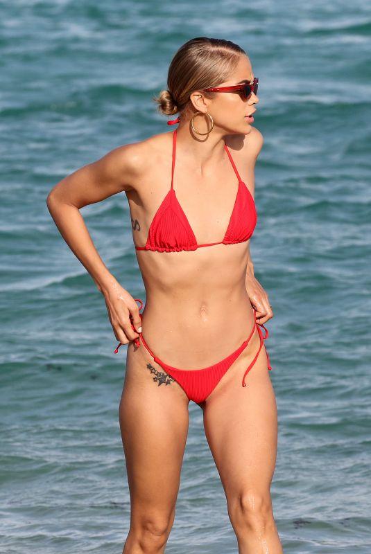 JASMINE SANDERS in Bikini at a Beach in Miami 11/29/2018