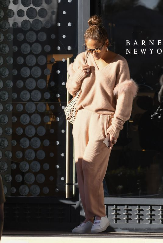 JENNIFER LOPEZ Out in Beverly Hills 12/20/2018