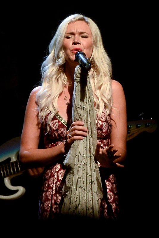 JOSS STONE Performs at a Concert in Sao Paulo 12/05/2018