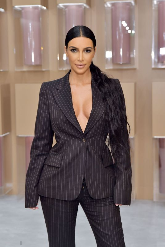 KIM KARFASHIAN at KKW Beauty Pop Up Shop in Costa Mesa 12/04/2018