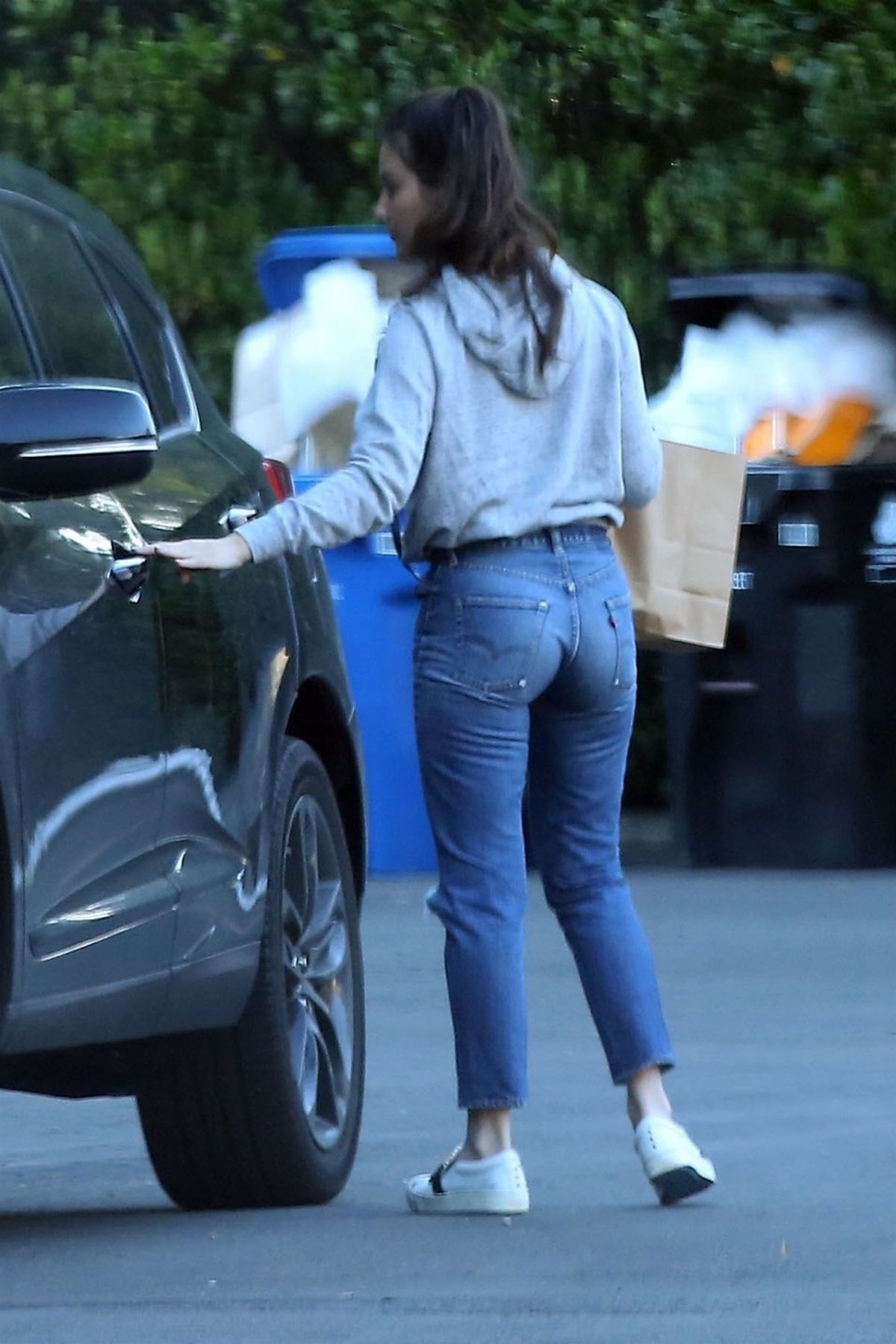 OLIVIA MUNN Out and About in Los Angeles 12/05/2018