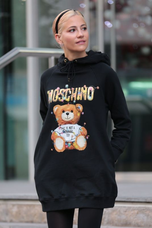 PIXIE LOTT Leaves Her Hotel in Manchester 12/13/2018