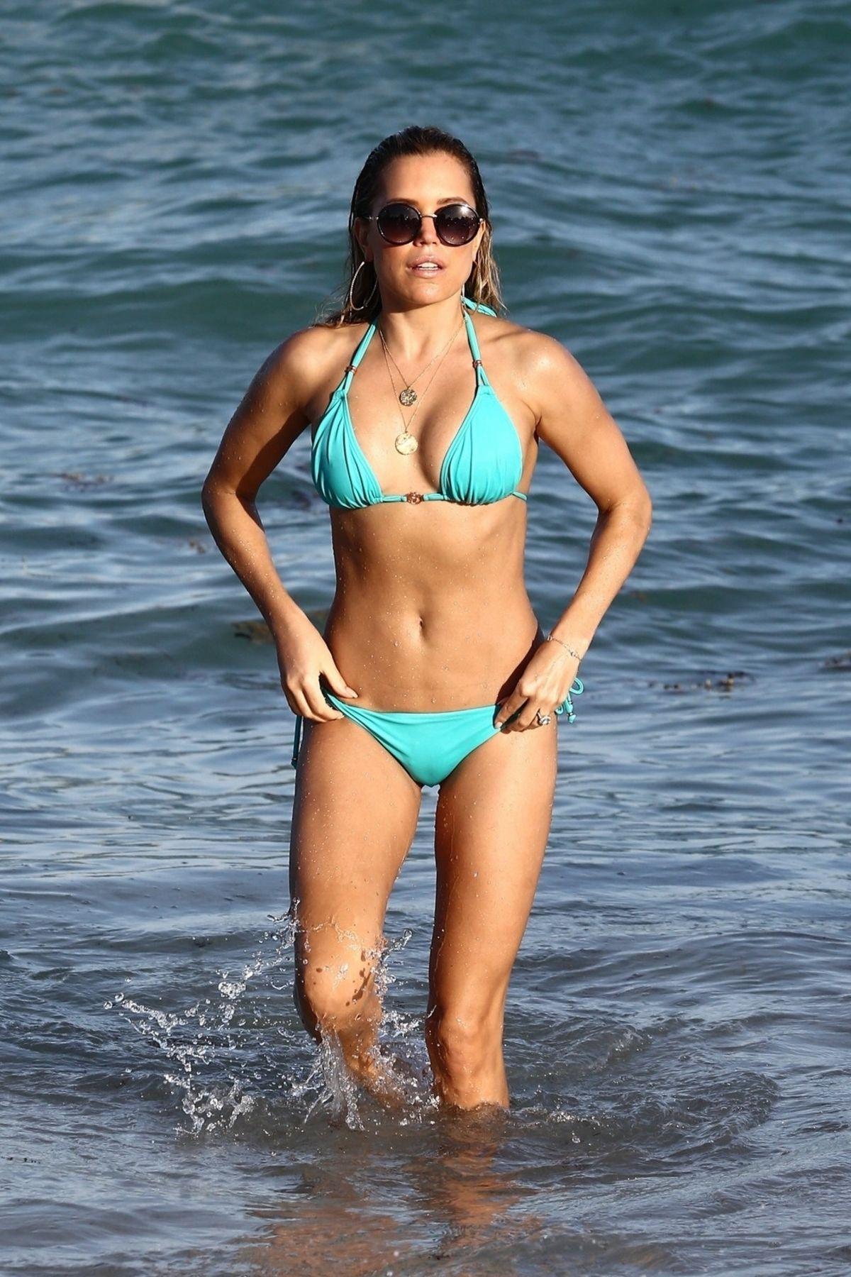 Beste SYLVIE MEIS in Bikini on the Beach in Miami 12/30/2018 – HawtCelebs YA-78