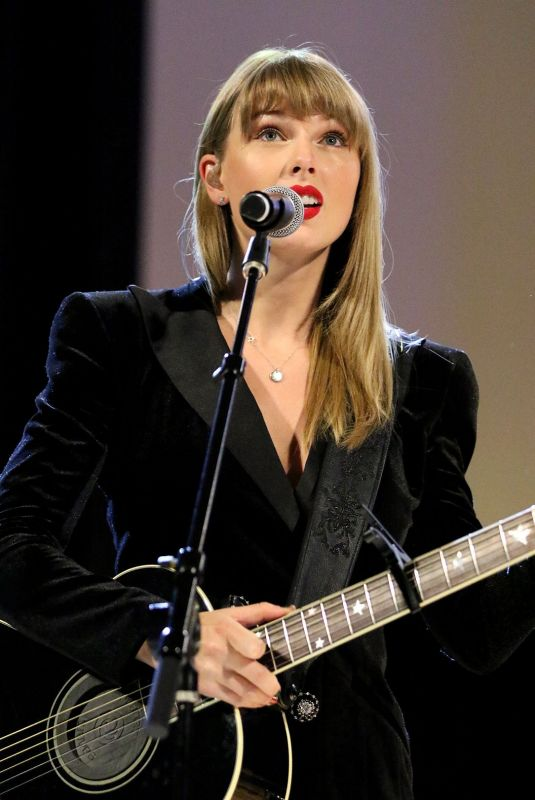 TAYLOR SWIFT Performs at Ally Coalition Talent Show in New York 12/05/2018