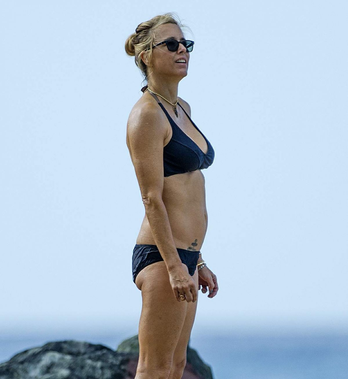 Bikini Tea Leoni nude photos 2019