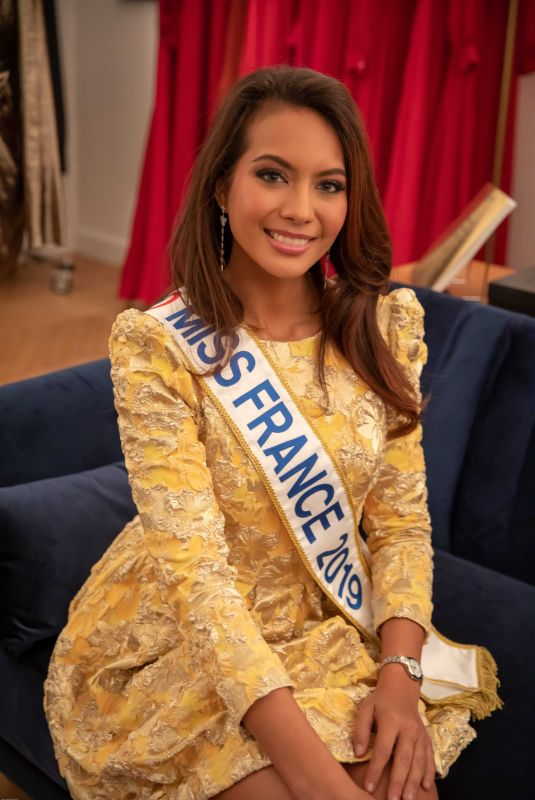 vaimalama chaves miss france 2019 at fun radio with. Black Bedroom Furniture Sets. Home Design Ideas