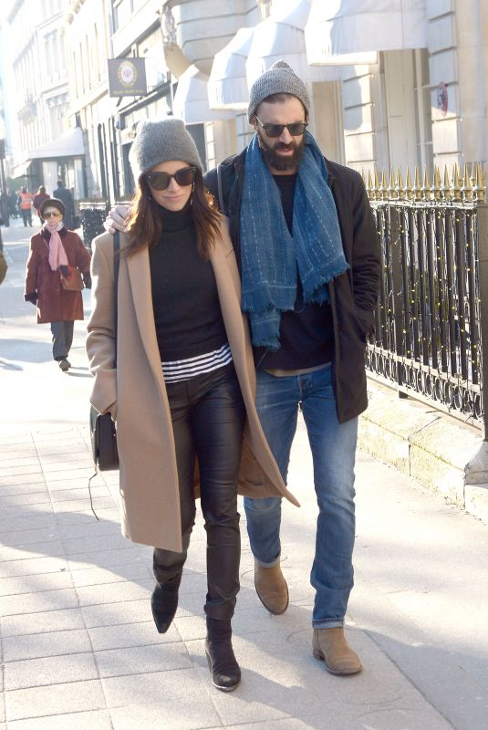 ABIGAIL SPENCER out with Her Boyfriend in Paris 01/21/2019