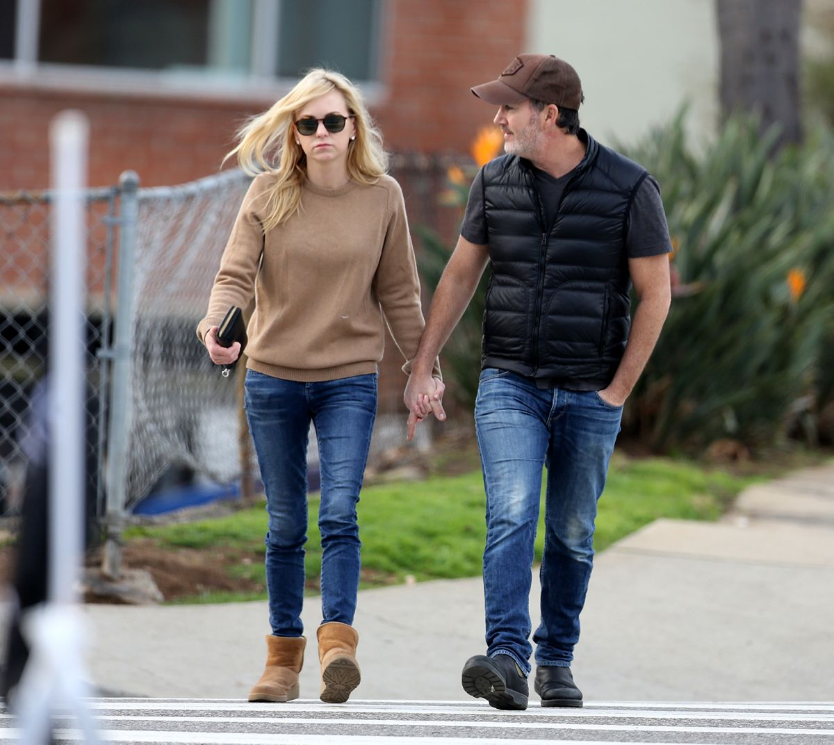 ANNA FARIS and Michael Barrett Out in Los Angeles 01/29 ...