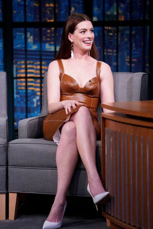 ANNE HATHAWAY at Late Night with Seth Meyers 01/23/2019