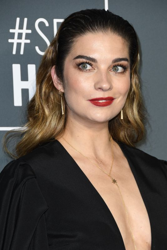 ANNIE MURPHY at 2019 Critics' Choice Awards in Santa Monica 01/13/2019