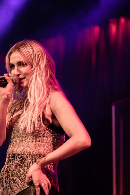 ASHLEE SIMPSON Performs at a Concert in San Francisco 01/19/2019