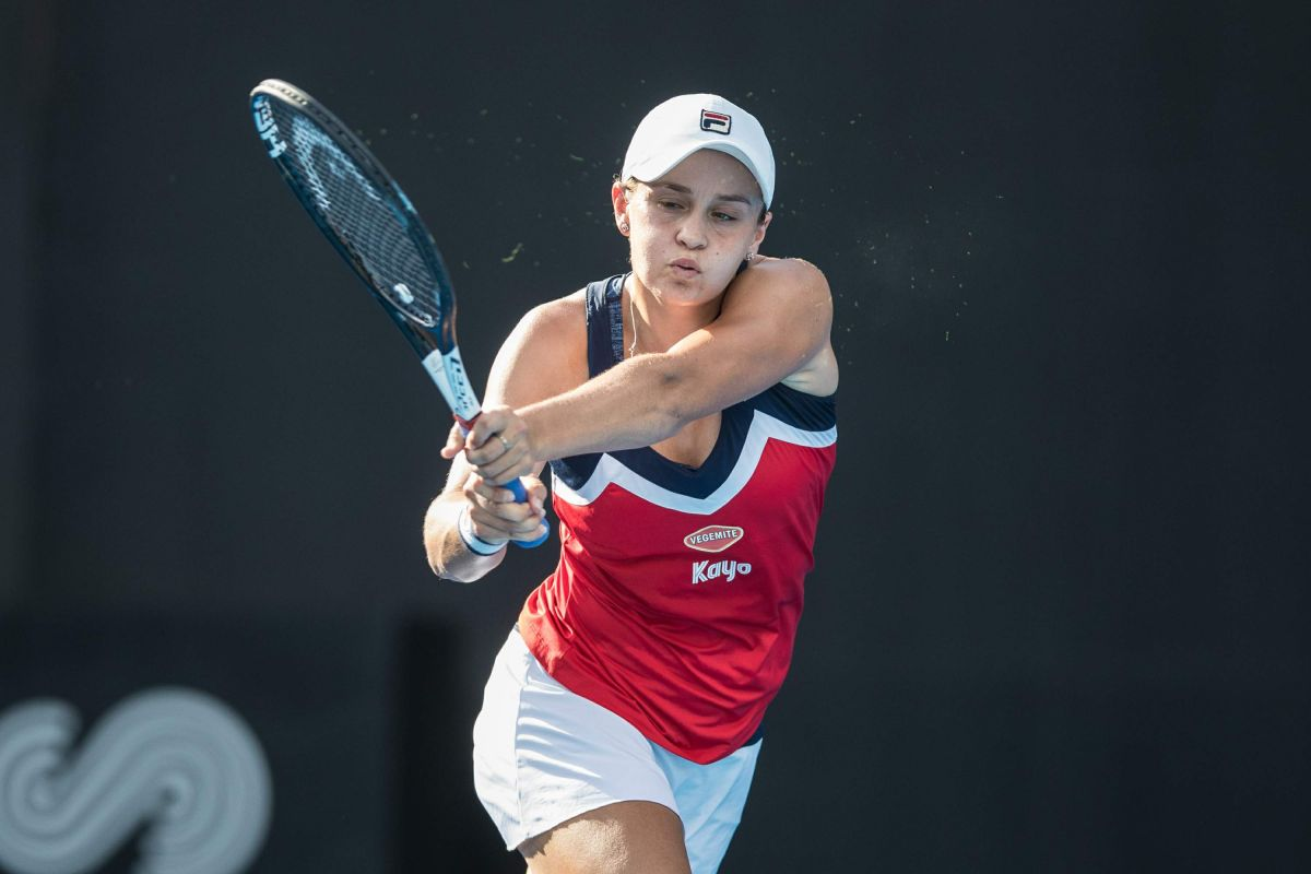 ASHLEIGH BARTY at 2019 Sydney International Tennis Final at Sydney Olympic Park 01/12/2019