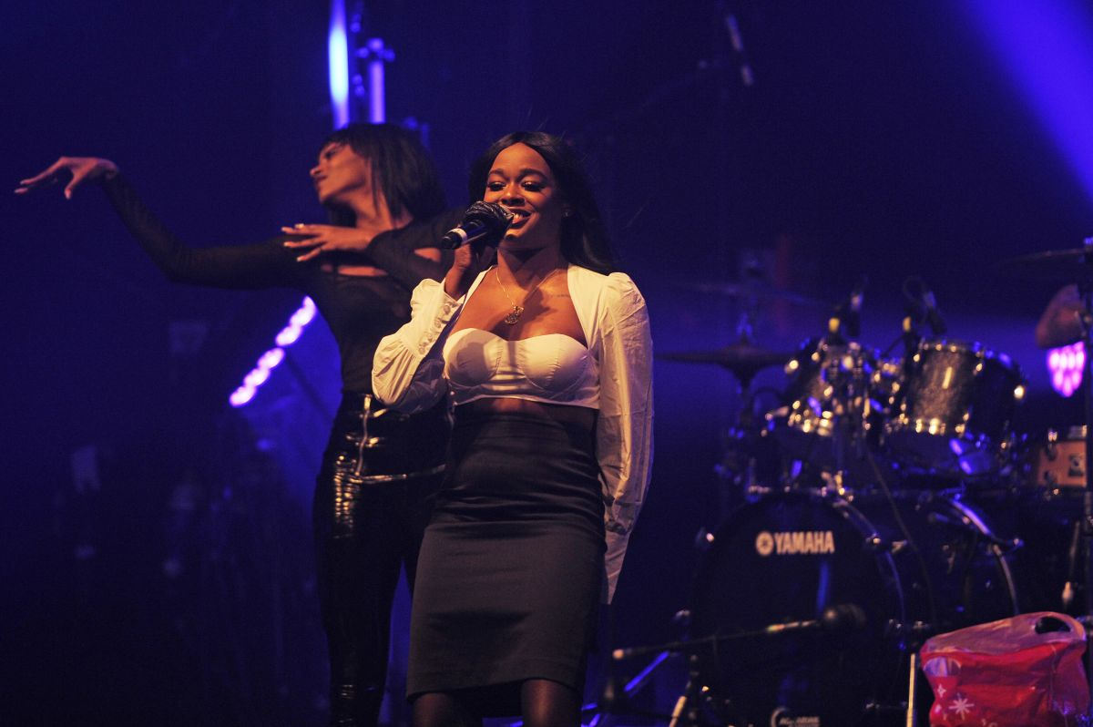 AZEALIA BANKS Performs at Electric Brixton in London 01/27 ...