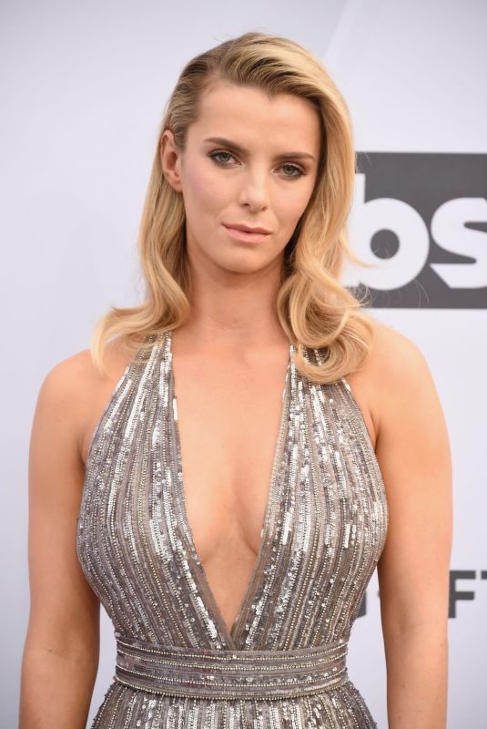 BETTY GILPIN at Screen Actors Guild Awards 2019 in Los Angeles 01/27/2019
