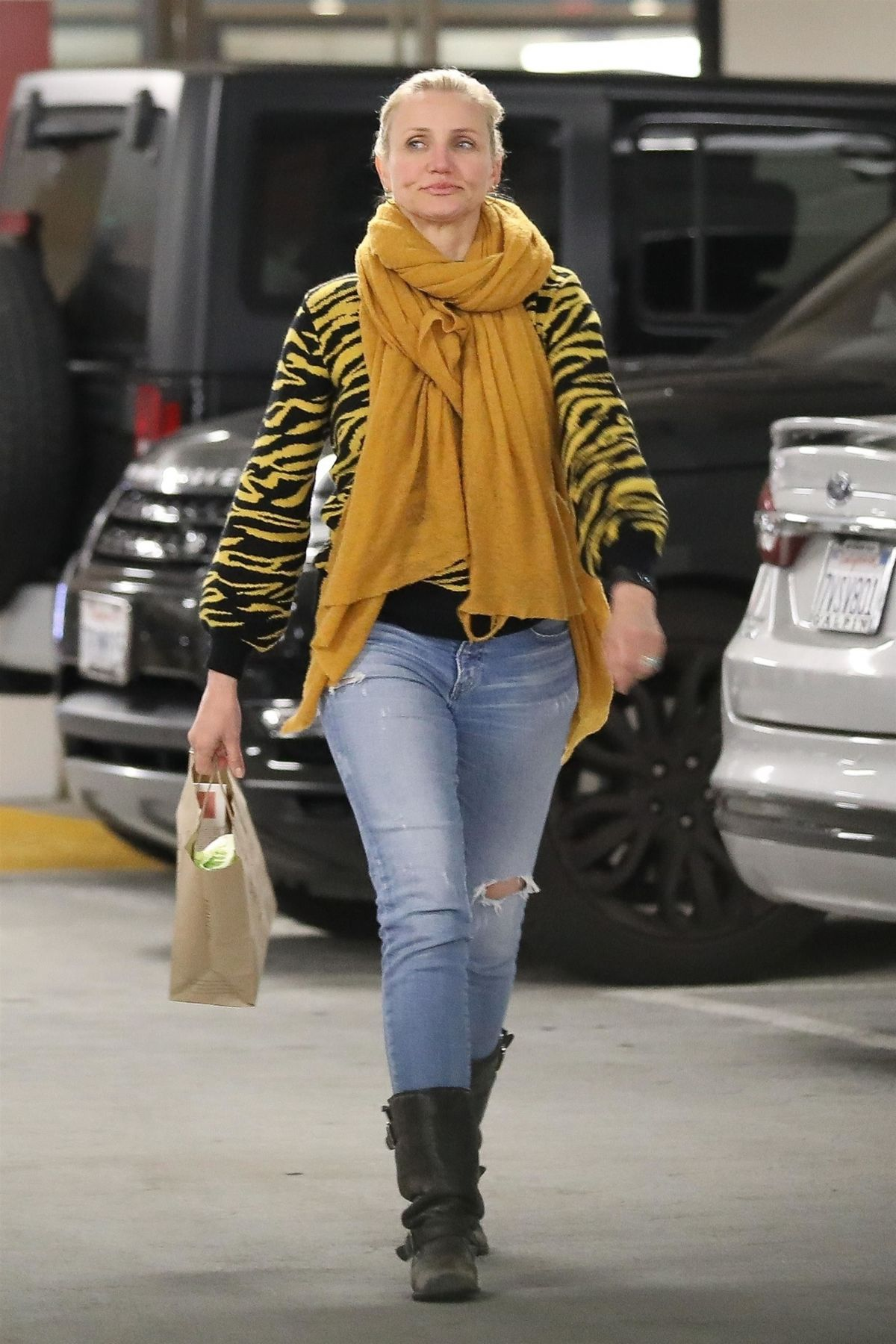 CAMERON DIAZ Out Shopping in Beverly Hills 01/23/2019 ... Cameron Diaz Pregnant 2019 Pics