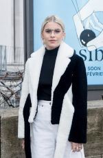CAROLINE DAUR Arrives at Jacquemus Fashion Show in Paris 01/20/2019