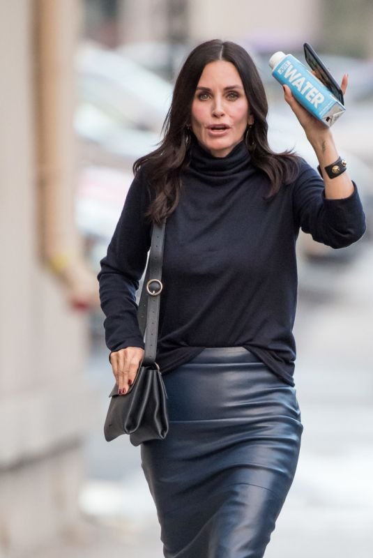 COURTENEY COX Arrives at Jimmy Kimmel Live in Hollywood 01/07/2019