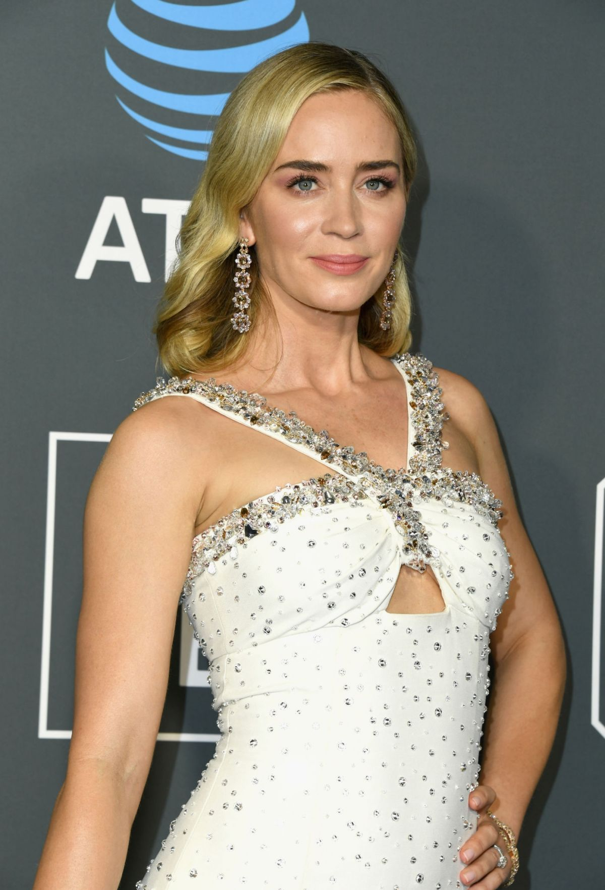 Emily Blunt starrer A Quiet Place 2 to now release on April 23, 2021 | BollywoodTOTA
