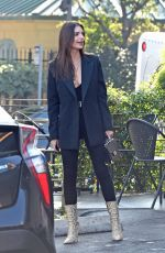 EMILY RATAJKOWSKI Out for Lunch in Los Angeles 01/30/2019