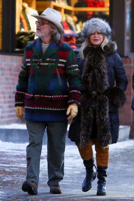 GOLDIE HAWN and Kurt Russell Out and About in Aspen 01/01/2019