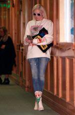 GWEN STEFANI Leaves a Medical Building in Beverly Hills 01/23/2019