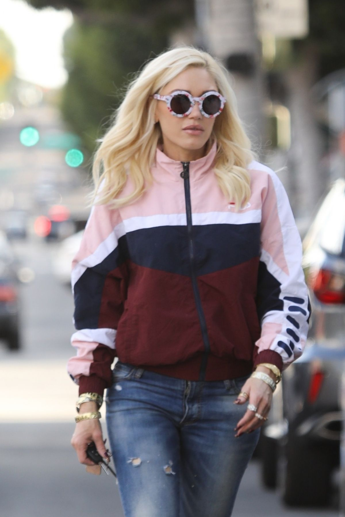 GWEN STEFANI Out Shopping in Beverly HIlls 01/26/2019 ... гвен стефани