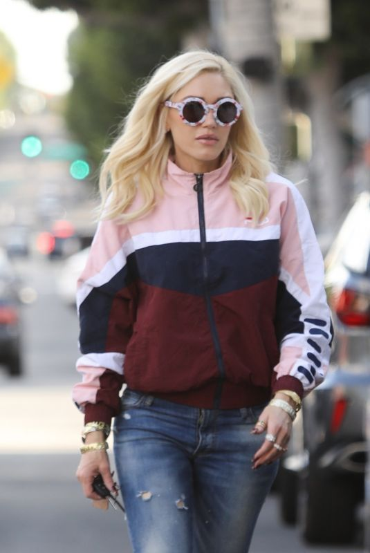 GWEN STEFANI Out Shopping in Beverly HIlls 01/26/2019