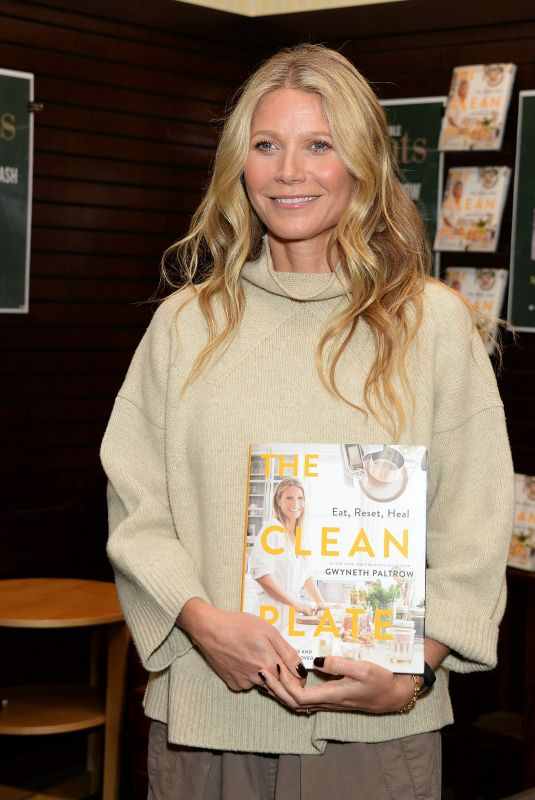 GWYNETH PALTROW at The Clean Plate Eat, Reset, Heal Book Signing at Barnes & Noble in Los Angeles 01/14/2019