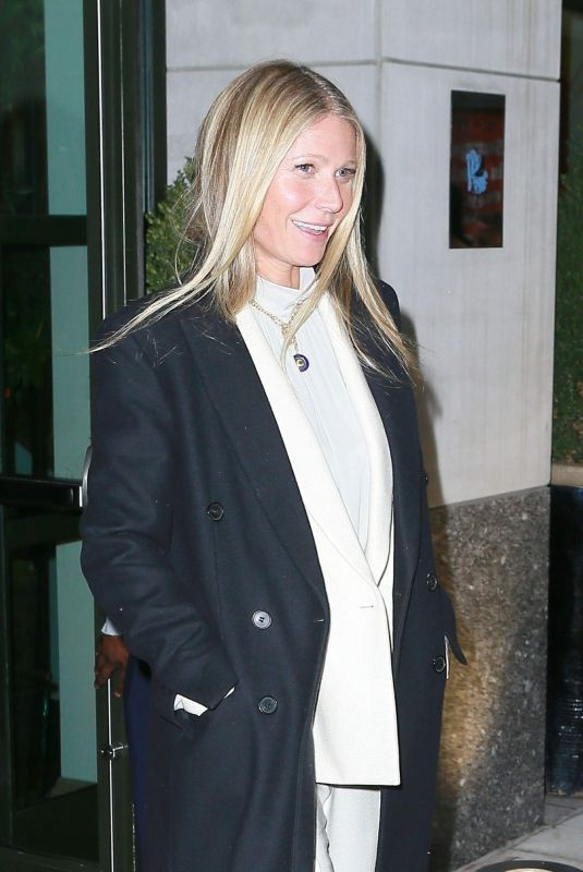 GWYNETH PALTROW Hading to Tonight Show Starring Jimmy Fallon in New York 01/09/2019