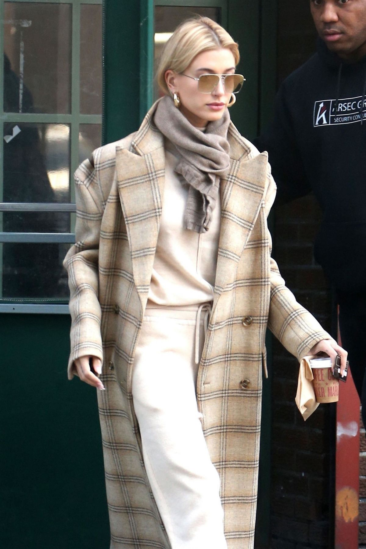 Hailey Bieber Out And About In New York 01 30 2019